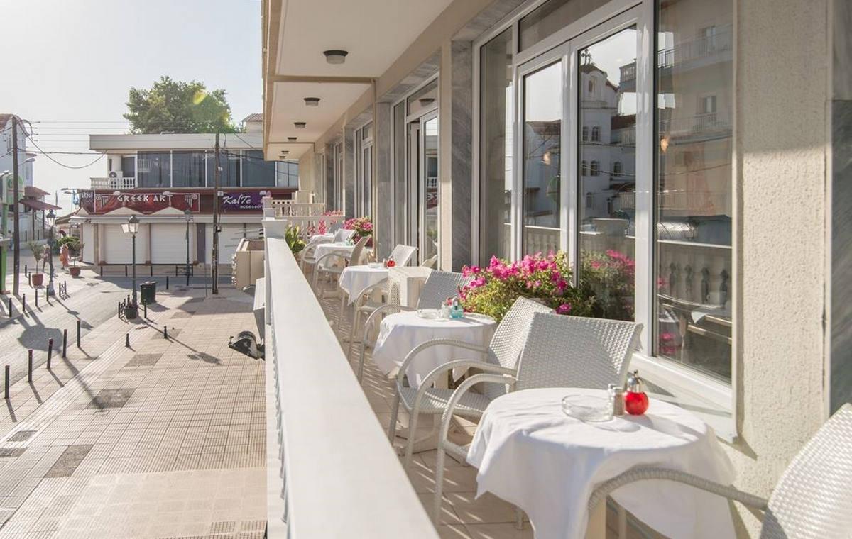 37_regina-hotel_111796.jpg