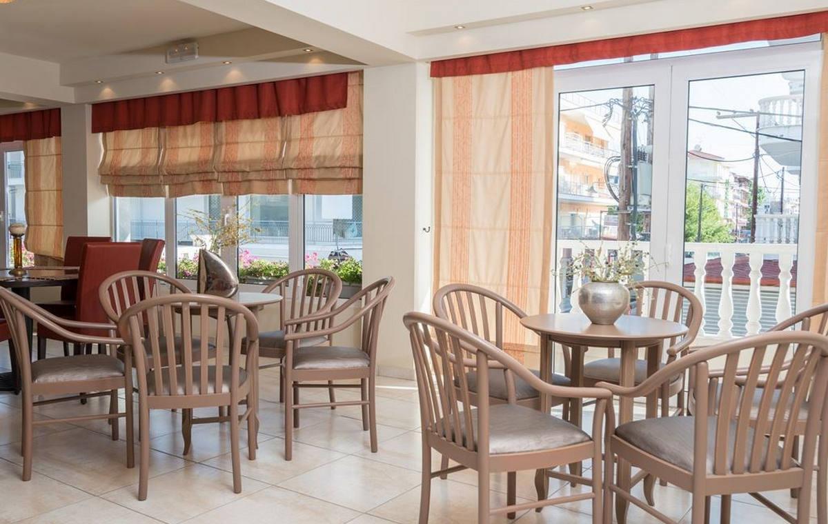 37_regina-hotel_111798.jpg