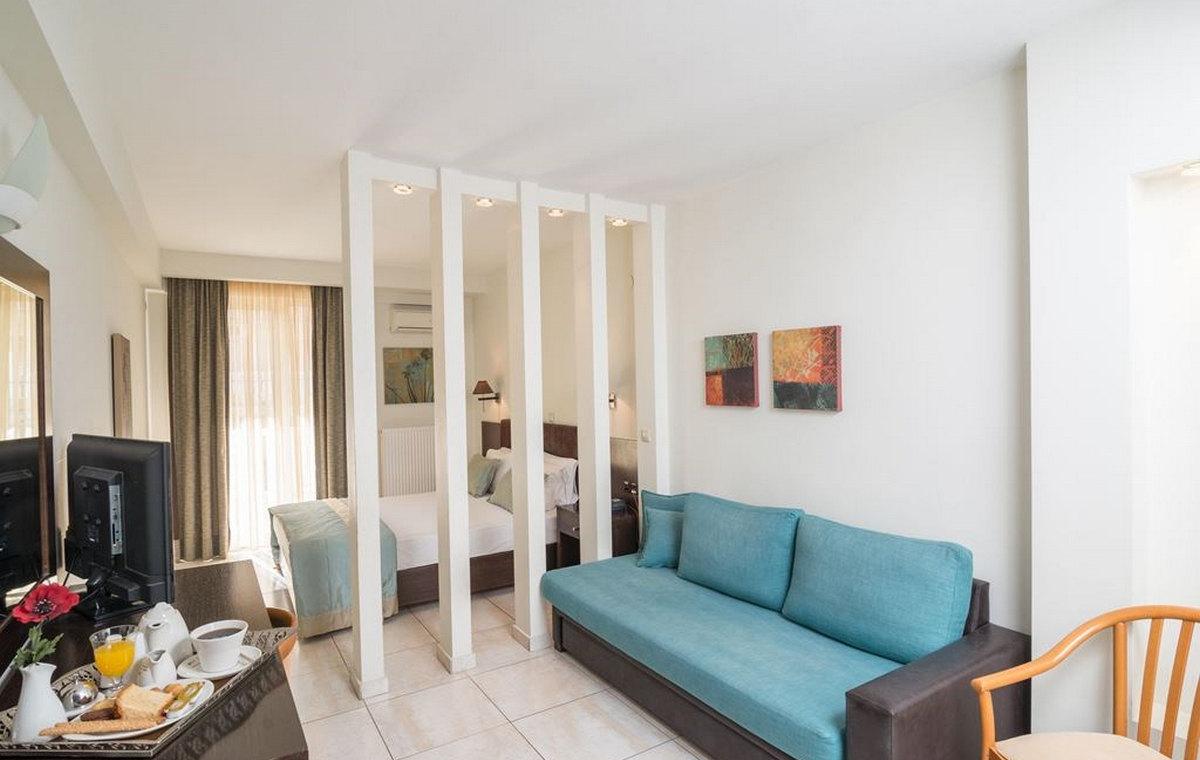 37_regina-hotel_111806.jpg