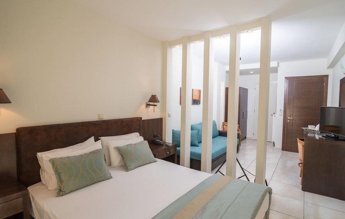 37_regina-hotel_111807.jpg