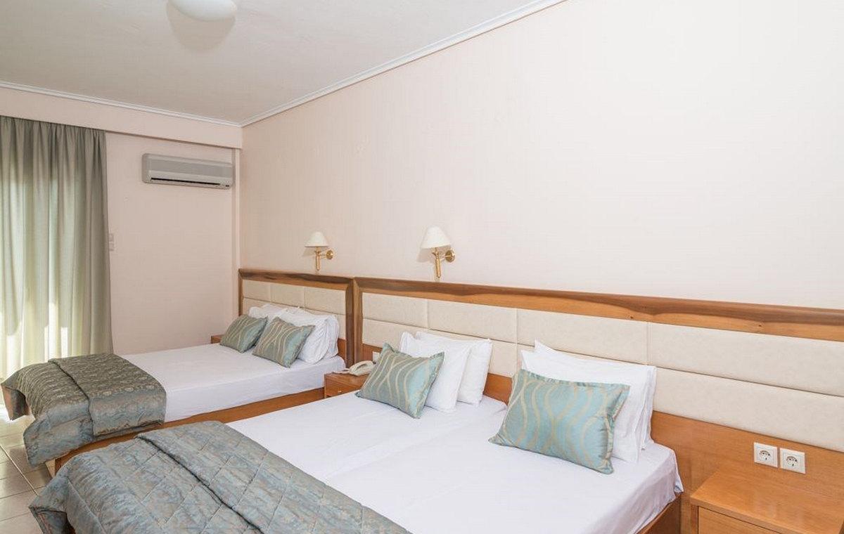 37_regina-hotel_111808.jpg