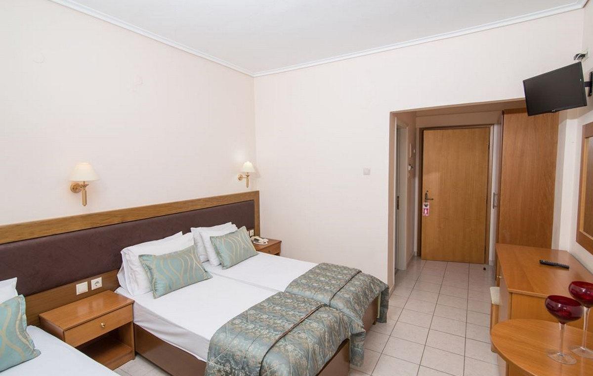 37_regina-hotel_111810.jpg