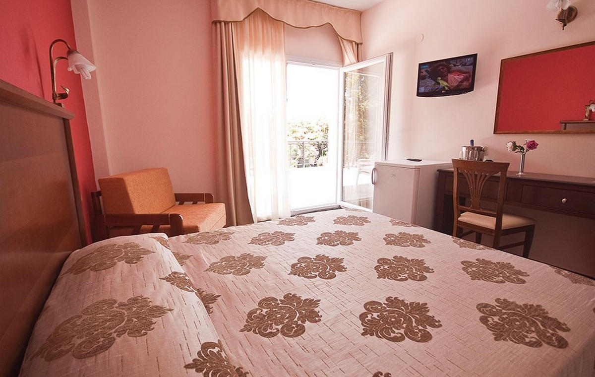 874_sun-beach-hotel-pieria_78888.jpg