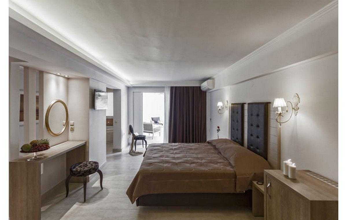Letovane_Hoteli_Grcka_Sitonija_Barcino_Tours_Hotel_Lagomandra_Spa-1.jpg