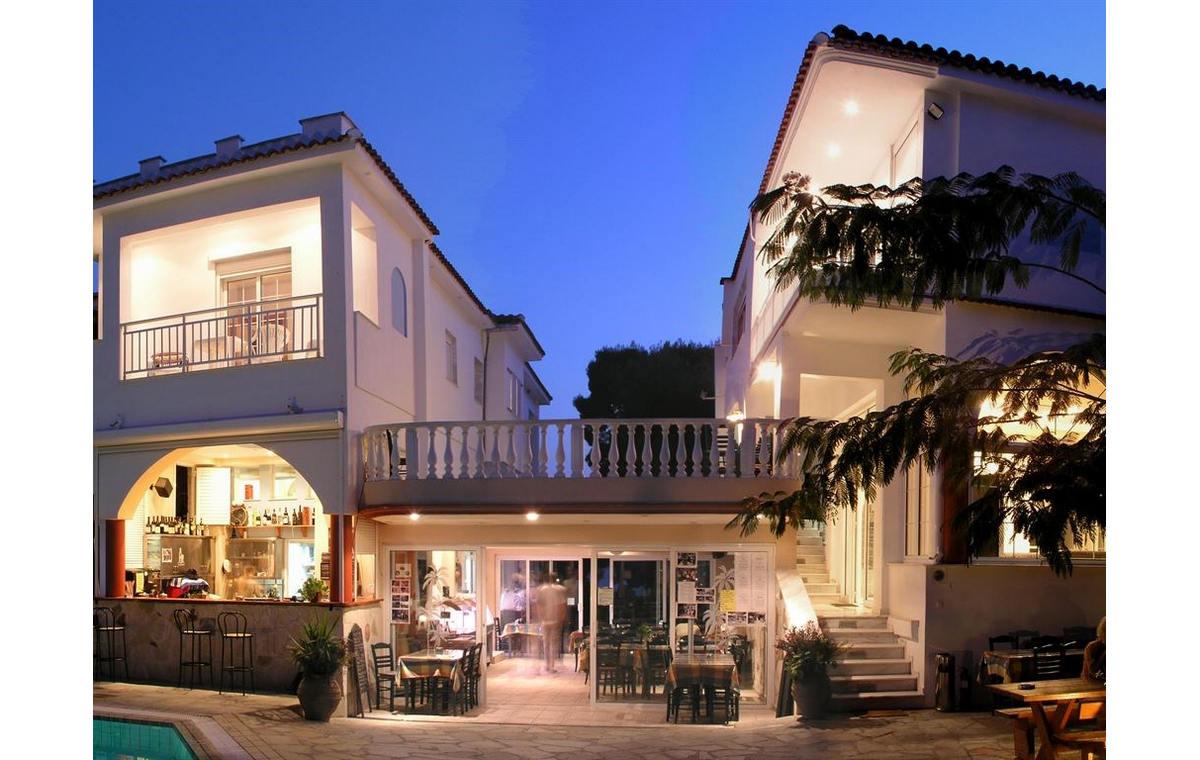 Letovane_Hoteli_Grcka_Sitonija_Barcino_Tours_Hotel_Melissa_Gold_Coast-12.jpg