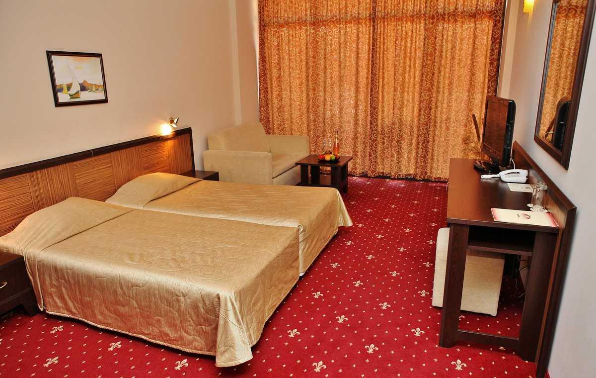 Letovanje_Bugarska_Hoteli_Sunčev_Breg_Hotel_Nobel-1.jpg