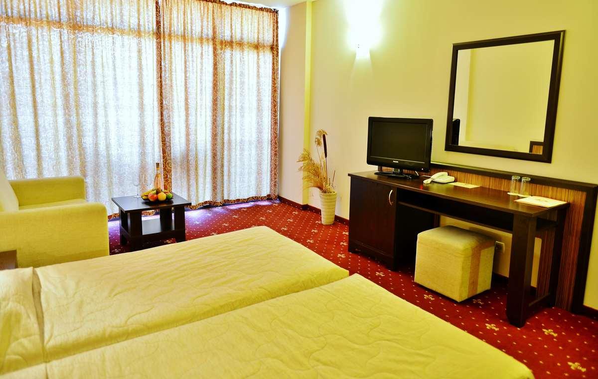 Letovanje_Bugarska_Hoteli_Sunčev_Breg_Hotel_Nobel-3.jpg