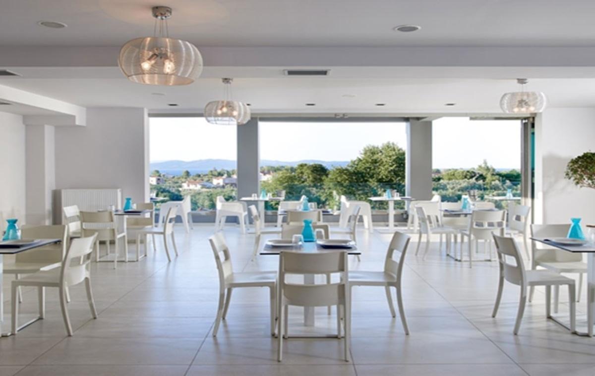Letovanje_Grcka_Hoteli_Evia_Altamar_Hotel_Barcino_Tours-10.jpg