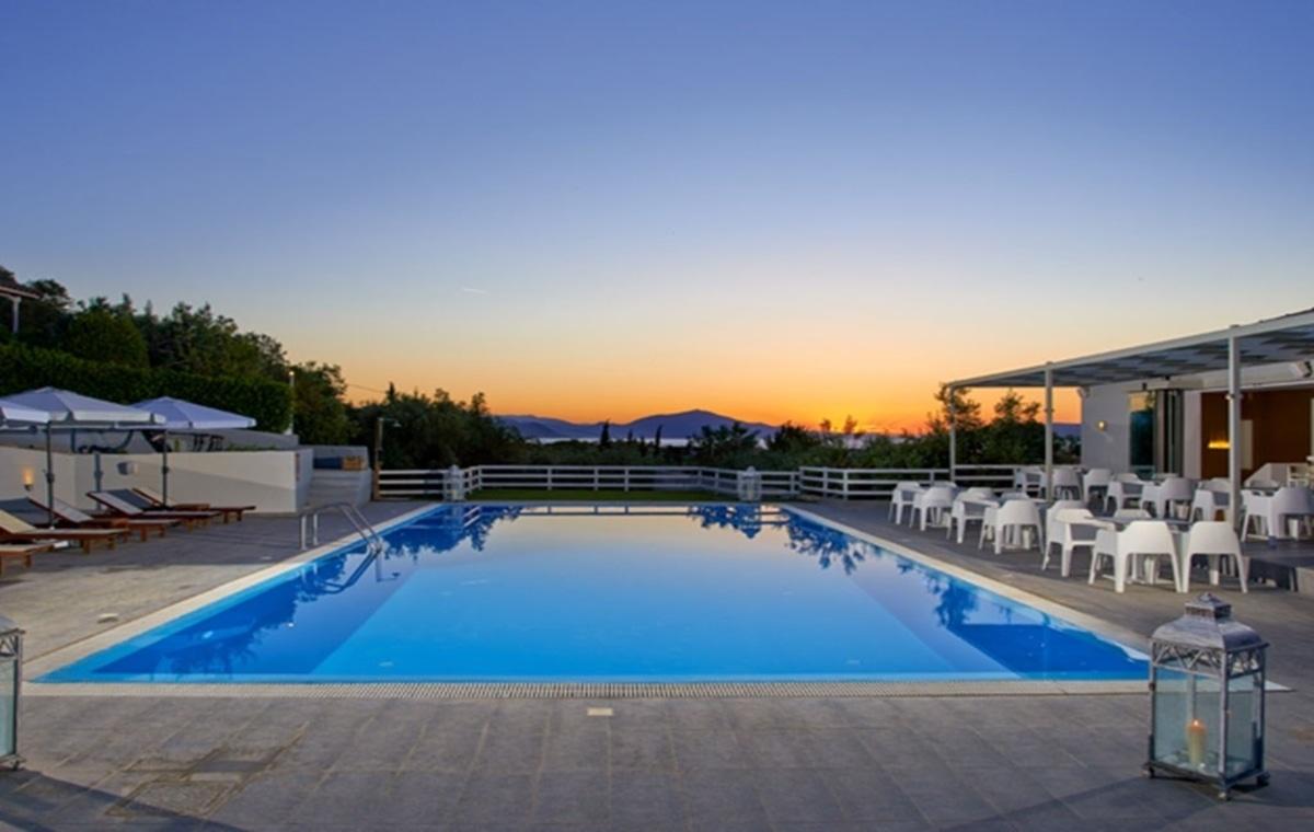 Letovanje_Grcka_Hoteli_Evia_Altamar_Hotel_Barcino_Tours-11.jpg