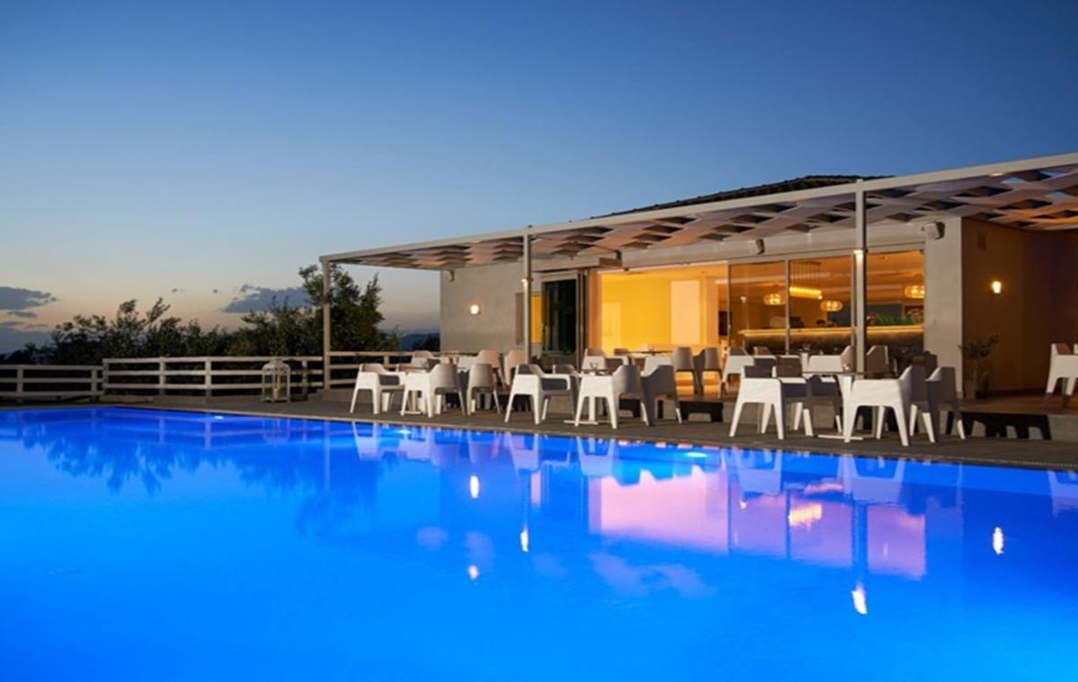 Letovanje_Grcka_Hoteli_Evia_Altamar_Hotel_Barcino_Tours-4.jpg