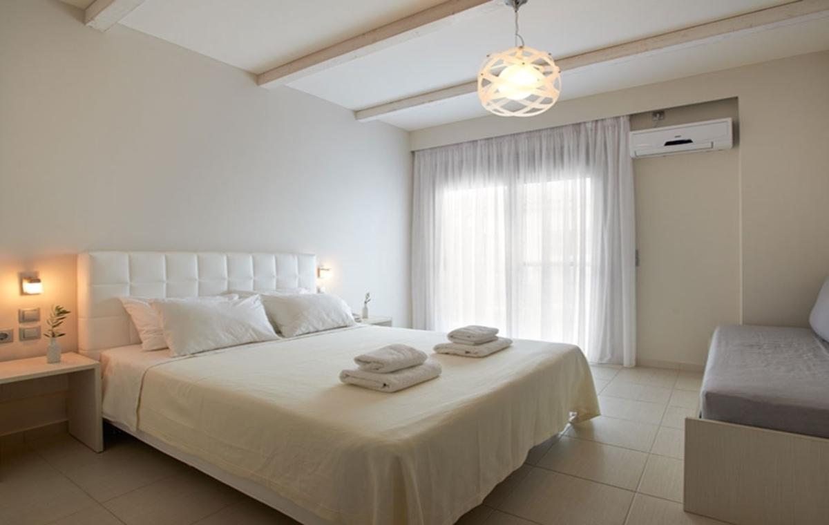 Letovanje_Grcka_Hoteli_Evia_Altamar_Hotel_Barcino_Tours-9.jpg