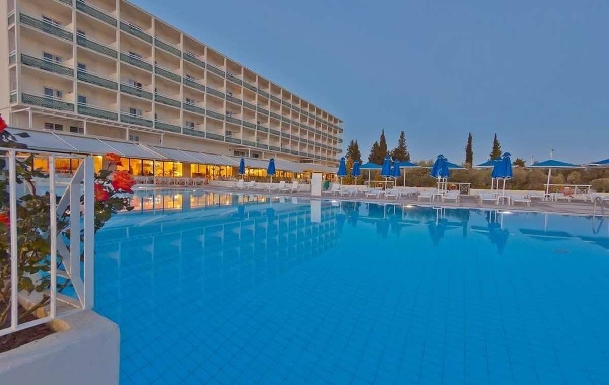 Letovanje_Grcka_Hoteli_Evia_Bomo_Club_Palmariva_Hotel_Barcino_Tours-13.jpeg