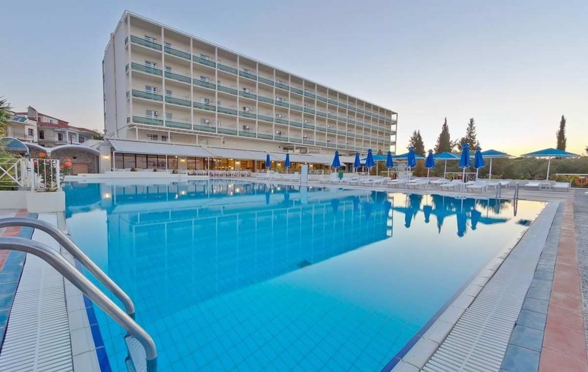 Letovanje_Grcka_Hoteli_Evia_Bomo_Club_Palmariva_Hotel_Barcino_Tours-14.jpeg