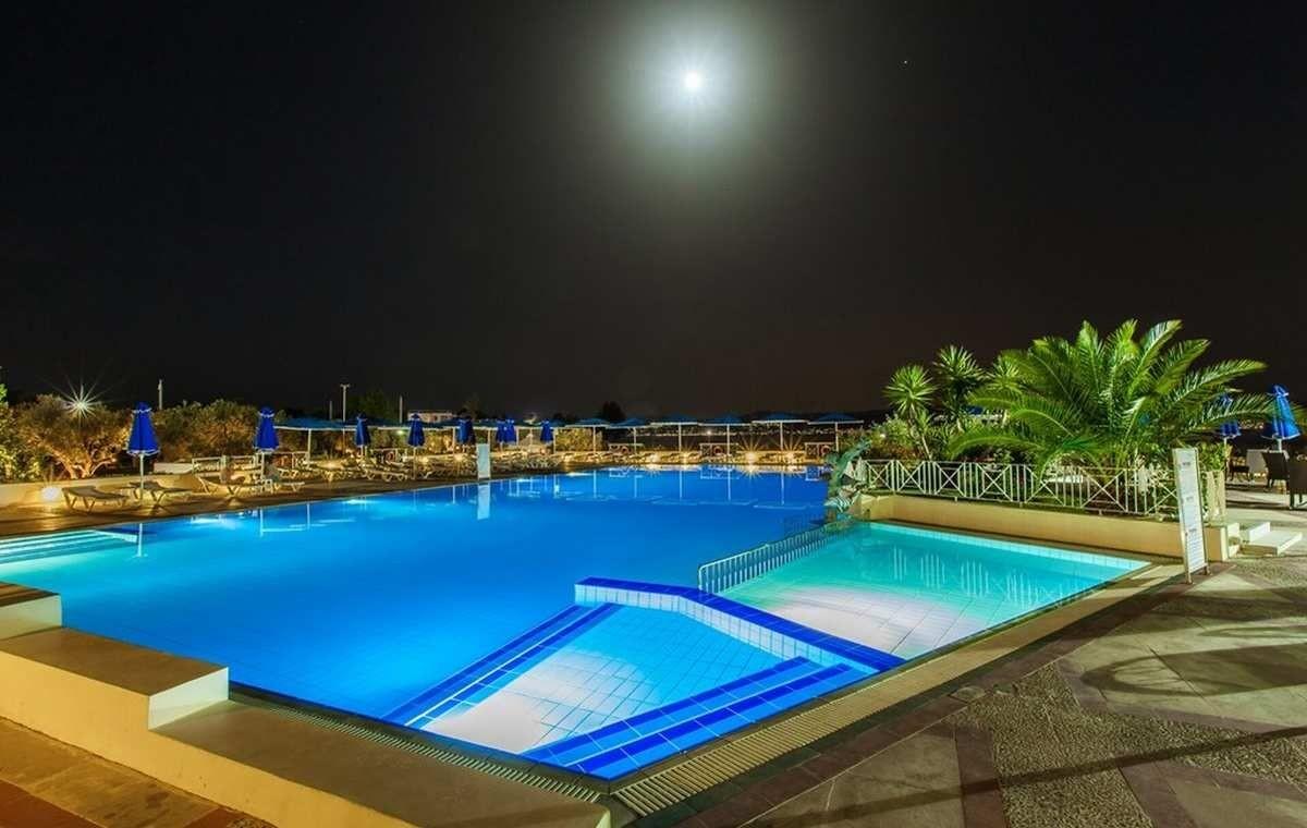 Letovanje_Grcka_Hoteli_Evia_Bomo_Club_Palmariva_Hotel_Barcino_Tours-19.jpeg