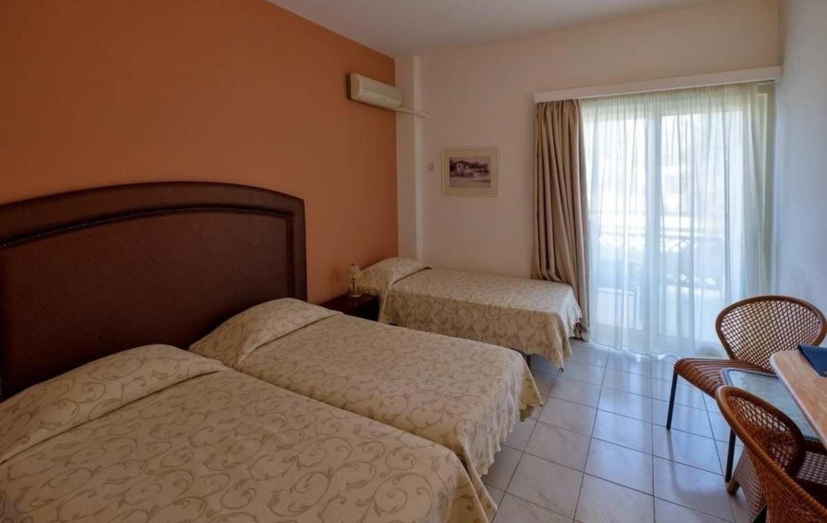 Letovanje_Grcka_Hoteli_Evia_Bomo_Club_Palmariva_Hotel_Barcino_Tours-2.jpg