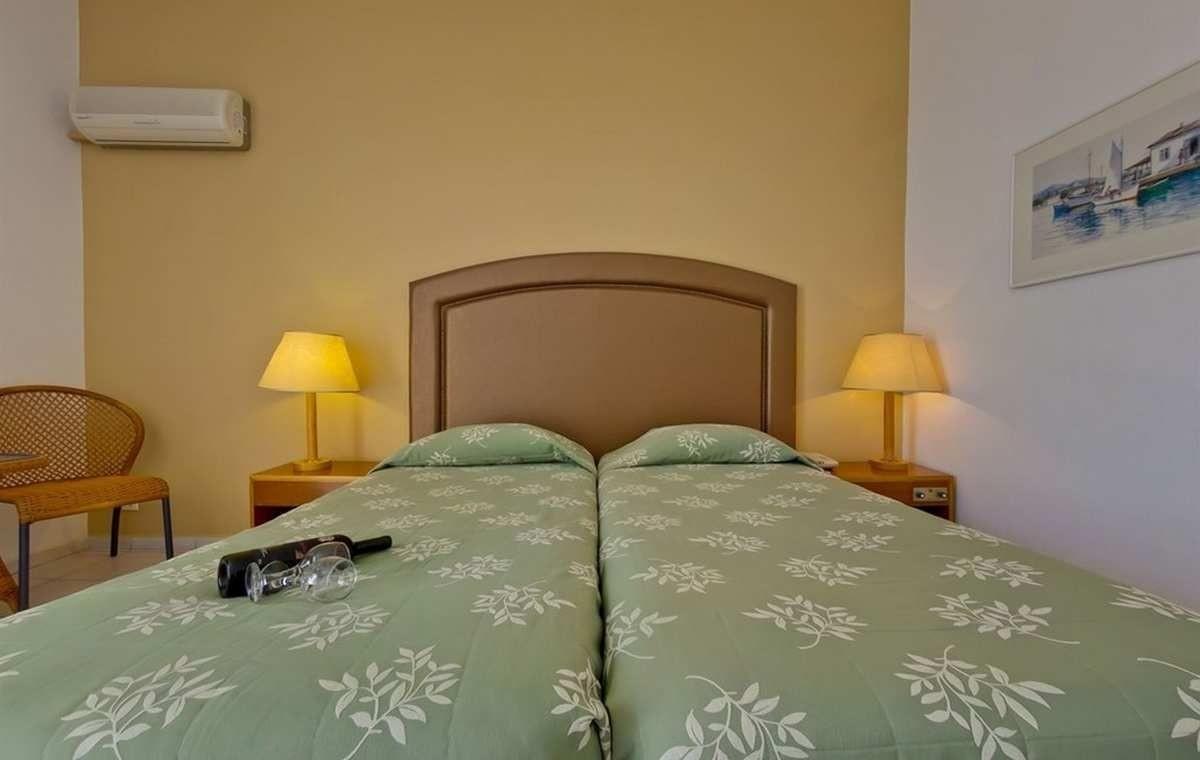 Letovanje_Grcka_Hoteli_Evia_Bomo_Club_Palmariva_Hotel_Barcino_Tours-5.jpg