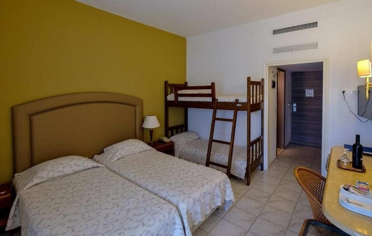 Letovanje_Grcka_Hoteli_Evia_Bomo_Club_Palmariva_Hotel_Barcino_Tours-6.jpg