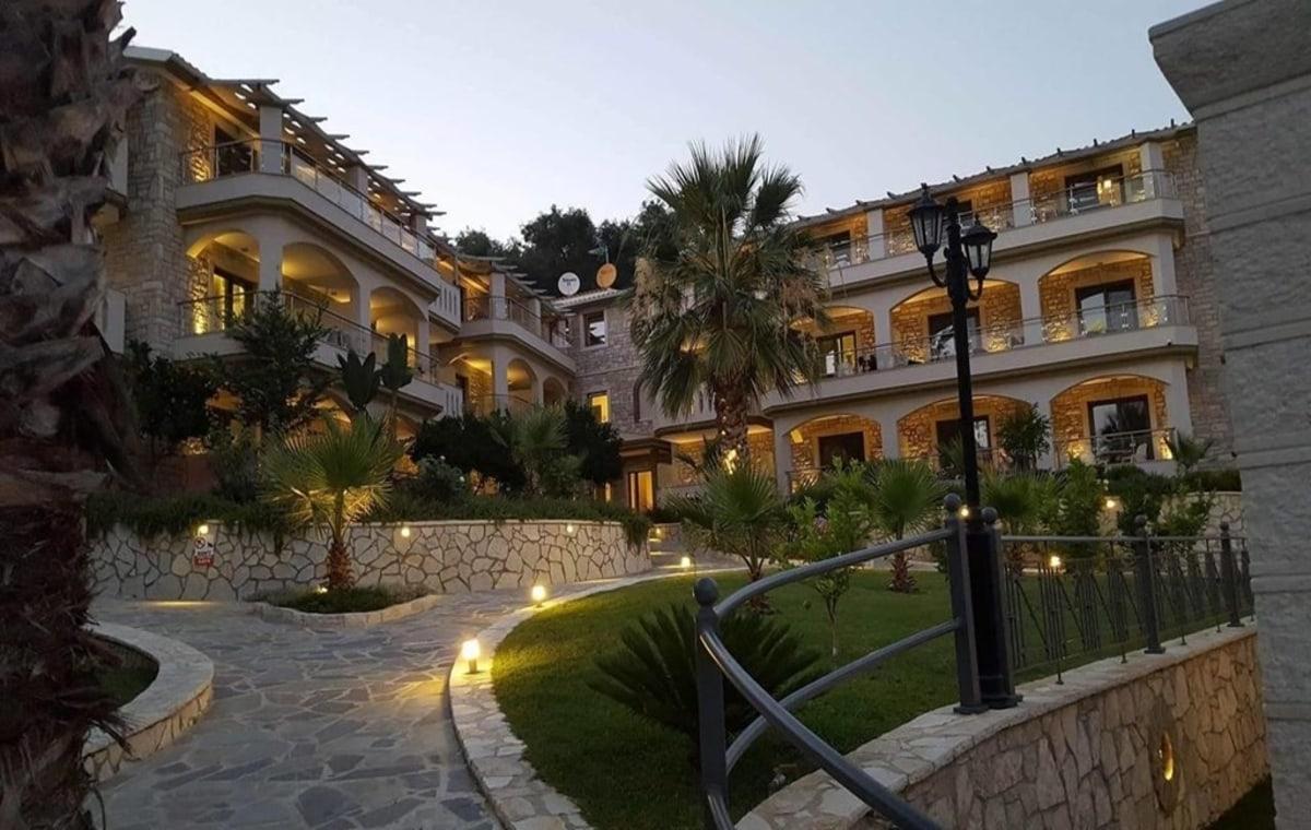 Letovanje_Grcka_Hoteli_Parga_Adams_Hotel_Barcino_Tours-14.jpg