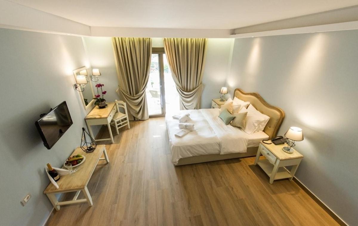 Letovanje_Grcka_Hoteli_Parga_Adams_Hotel_Barcino_Tours-2.jpg