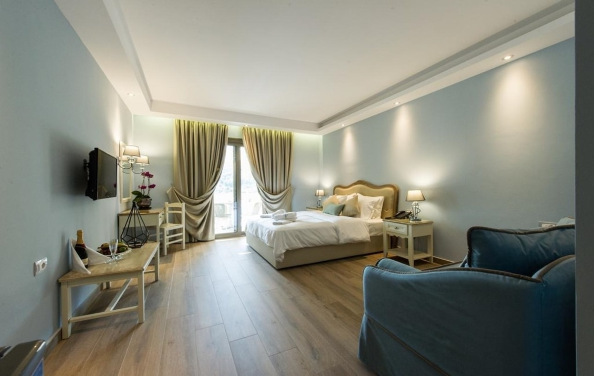 Letovanje_Grcka_Hoteli_Parga_Adams_Hotel_Barcino_Tours-3.jpg