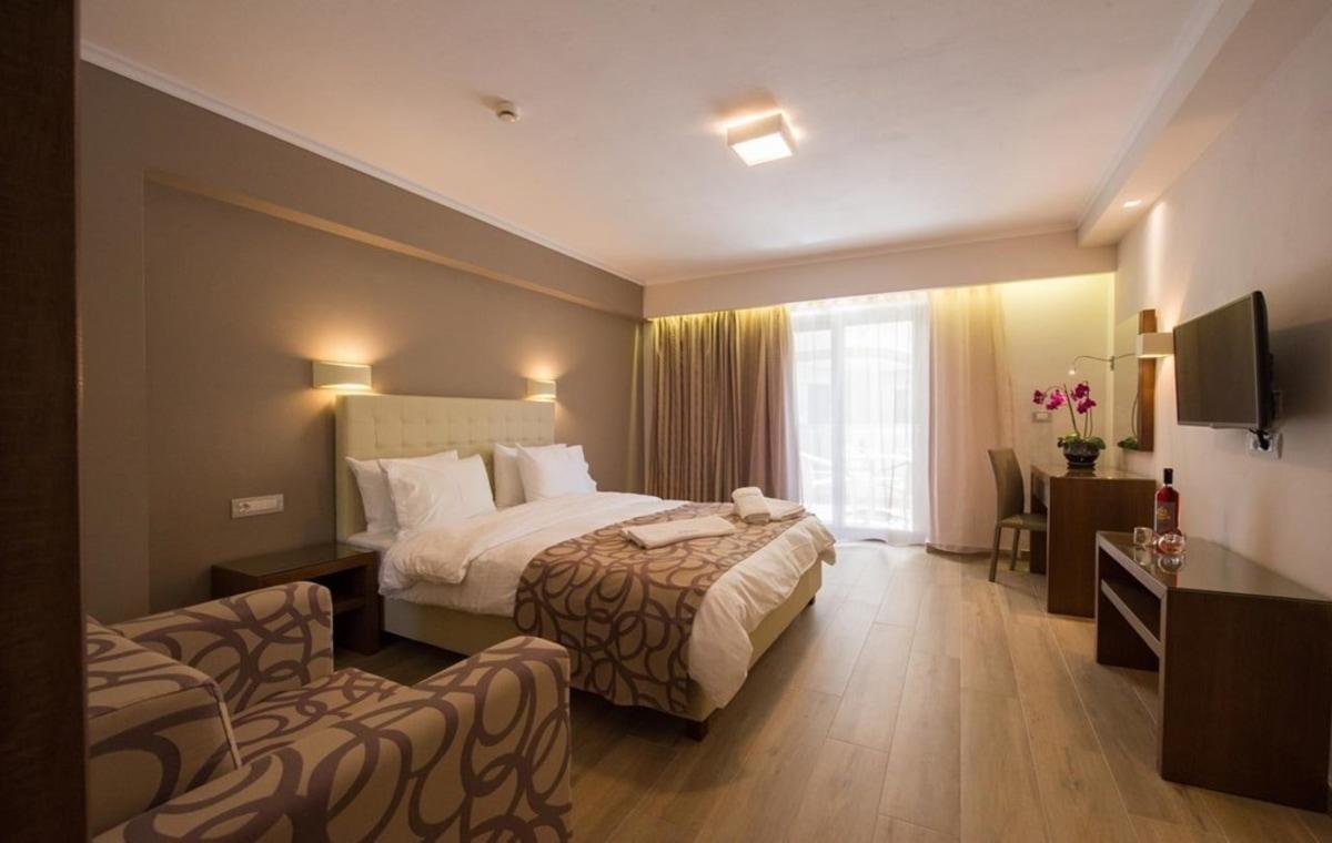 Letovanje_Grcka_Hoteli_Parga_Adams_Hotel_Barcino_Tours-4.jpg