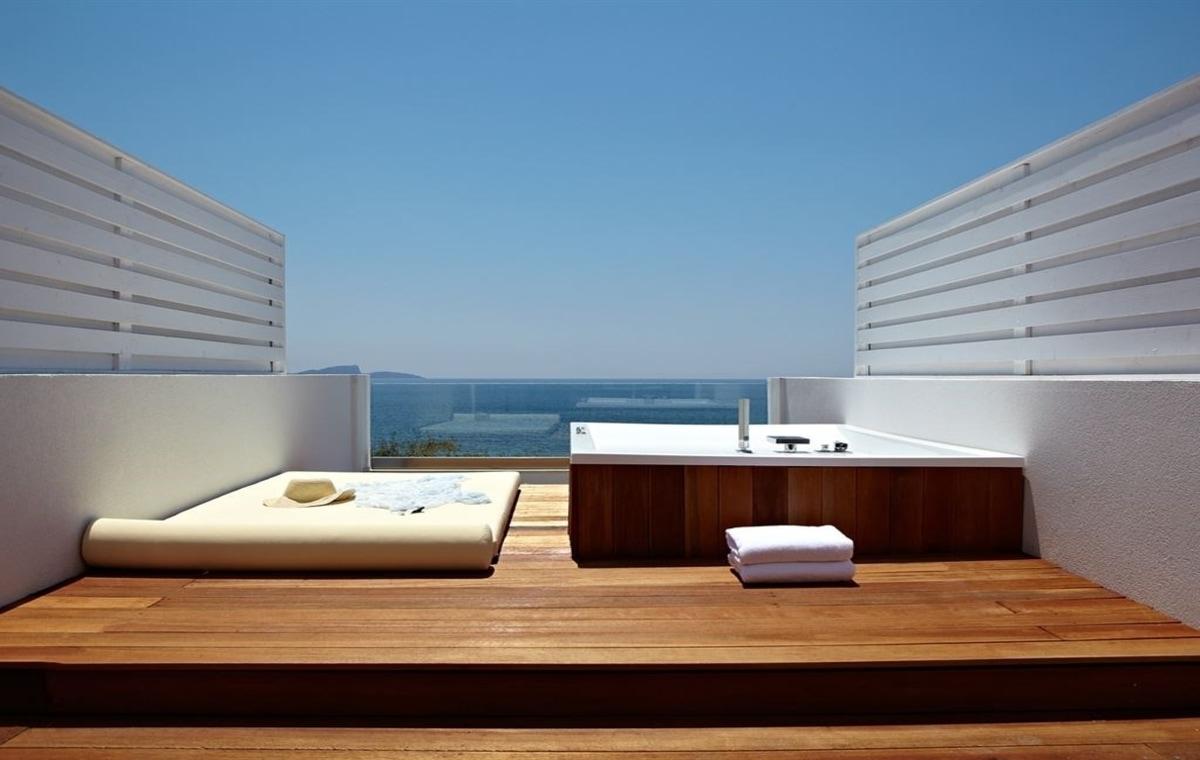 Letovanje_Grcka_Hoteli_Parga_Lichnos_Beach_Hotel_Barcino_Tours-18.jpg