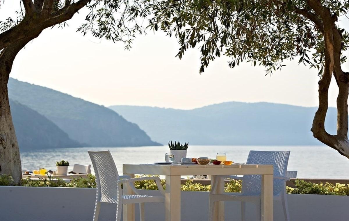 Letovanje_Grcka_Hoteli_Parga_Lichnos_Beach_Hotel_Barcino_Tours-19.jpg