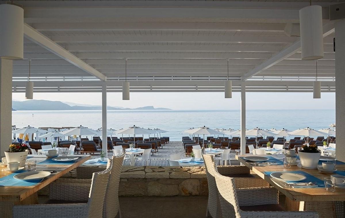 Letovanje_Grcka_Hoteli_Parga_Lichnos_Beach_Hotel_Barcino_Tours-2.jpg