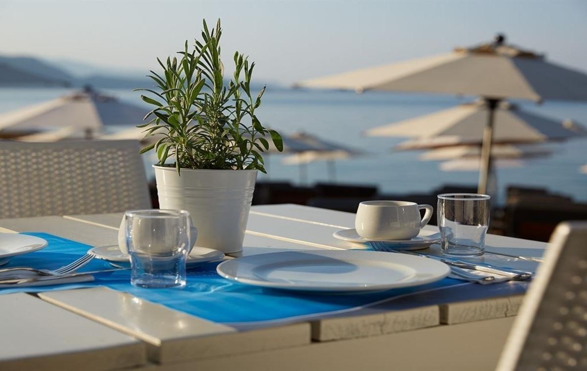 Letovanje_Grcka_Hoteli_Parga_Lichnos_Beach_Hotel_Barcino_Tours-22.jpg