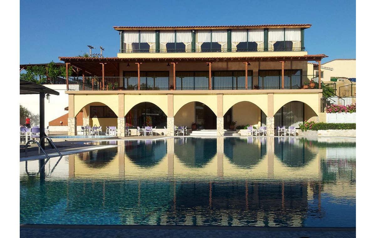Letovanje_Grcka_Hoteli_Sitonija_Hotel_Village_Mare_Barcino_Tours-10.jpg