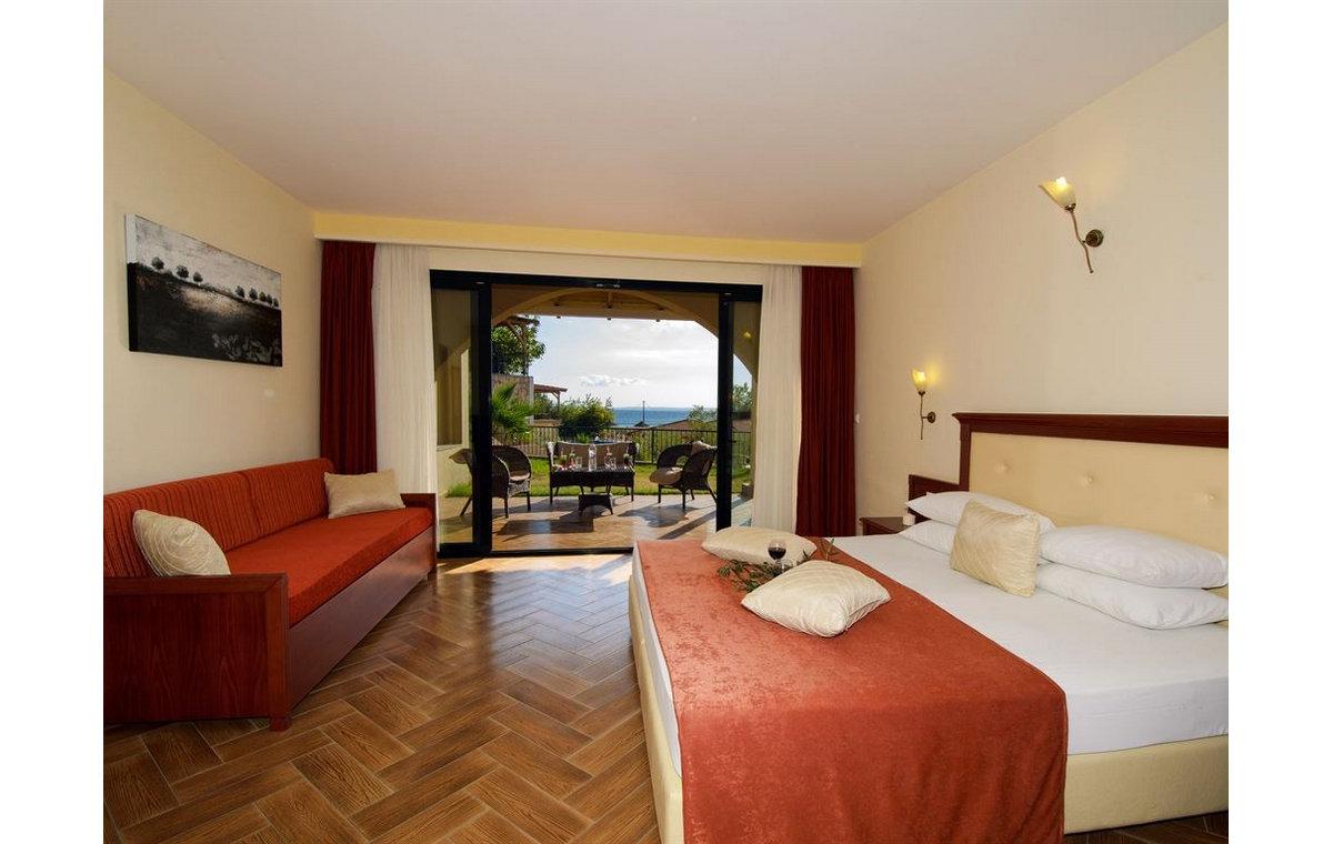 Letovanje_Grcka_Hoteli_Sitonija_Hotel_Village_Mare_Barcino_Tours-13.jpg