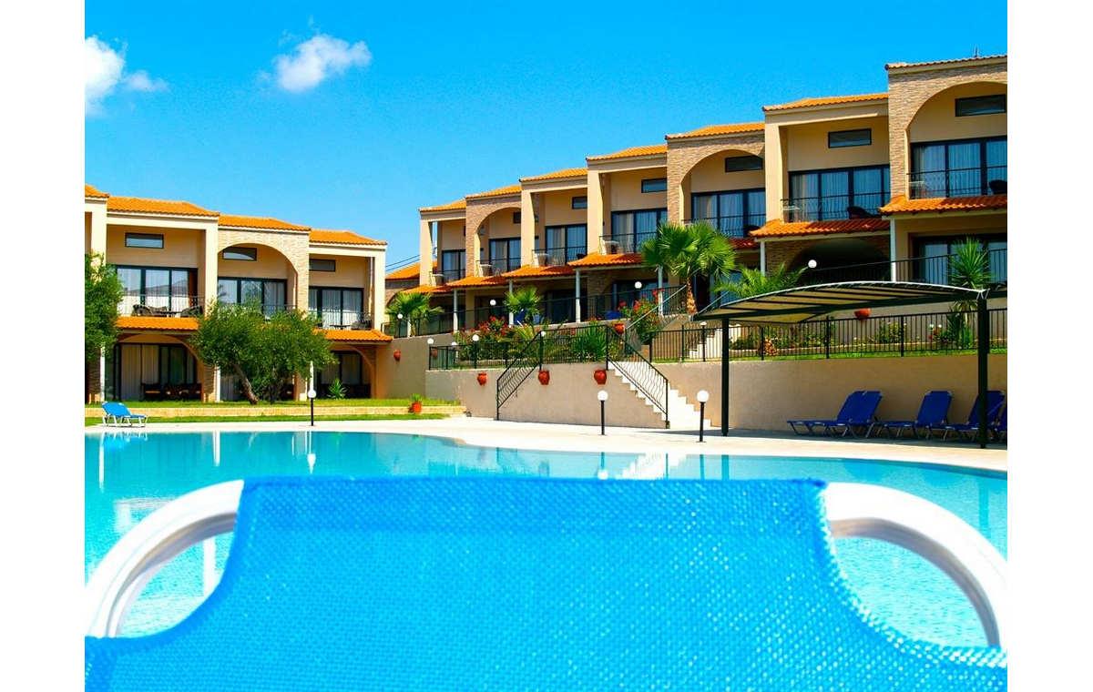 Letovanje_Grcka_Hoteli_Sitonija_Hotel_Village_Mare_Barcino_Tours-14.jpg
