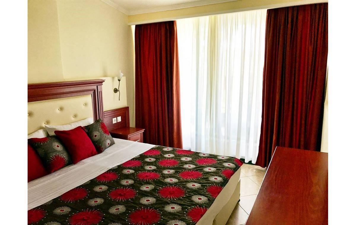 Letovanje_Grcka_Hoteli_Sitonija_Hotel_Village_Mare_Barcino_Tours-16.jpg