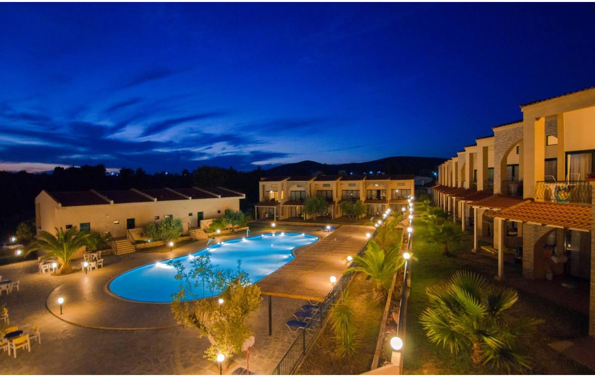 Letovanje_Grcka_Hoteli_Sitonija_Hotel_Village_Mare_Barcino_Tours-3.jpg
