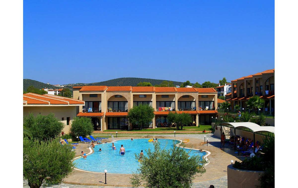 Letovanje_Grcka_Hoteli_Sitonija_Hotel_Village_Mare_Barcino_Tours-4.jpg