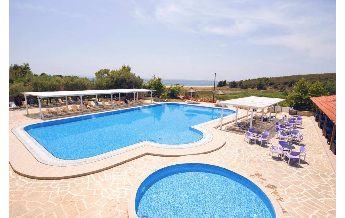 Letovanje_Grcka_Hoteli_Sitonija_Hotel_Village_Mare_Barcino_Tours-6.jpg