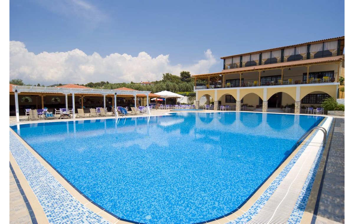 Letovanje_Grcka_Hoteli_Sitonija_Hotel_Village_Mare_Barcino_Tours-7.jpg
