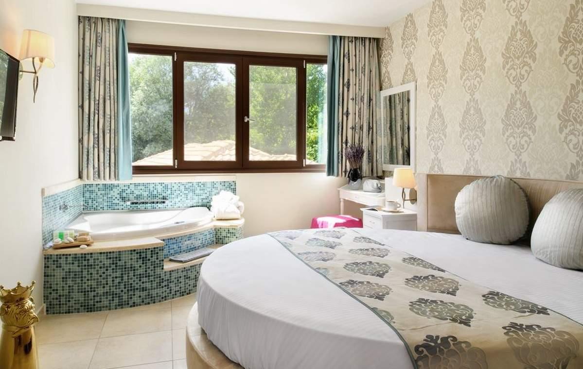 Letovanje_Grcka_Hoteli_TasosAlexandra_golden_boutique_hotel_Barcino_Tours-1-1.jpeg