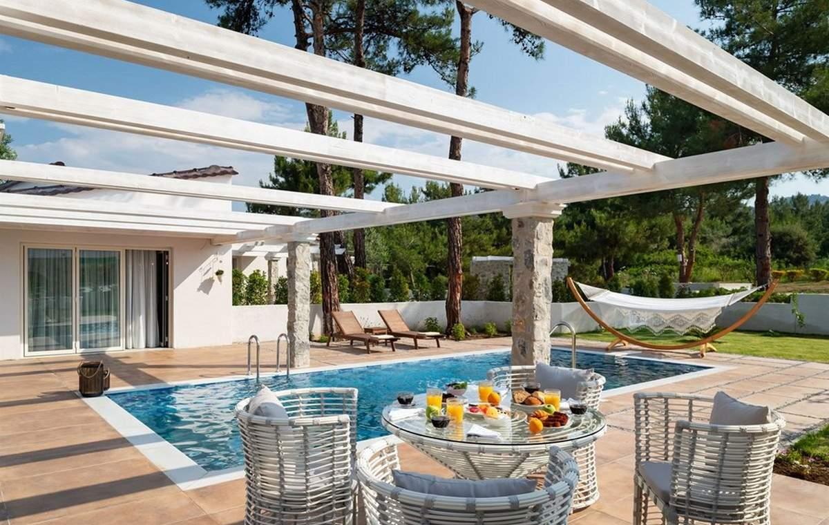 Letovanje_Grcka_Hoteli_Tasos_Alexandra_beach_spa_hotel_Barcino_Tours-1.jpg