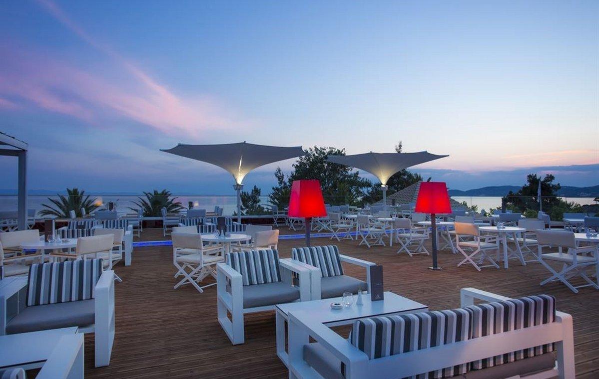 Letovanje_Grcka_Hoteli_Tasos_Alexandra_beach_spa_hotel_Barcino_Tours-16.jpeg