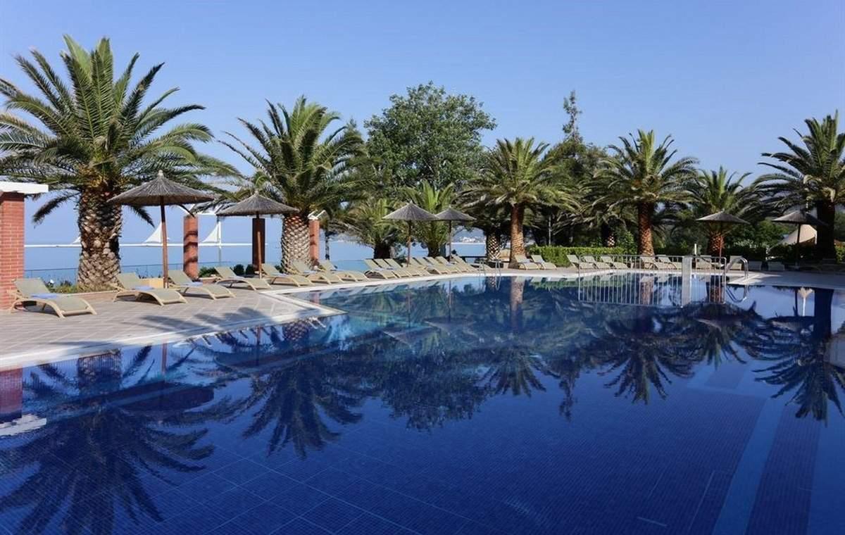 Letovanje_Grcka_Hoteli_Tasos_Alexandra_beach_spa_hotel_Barcino_Tours-19.jpeg