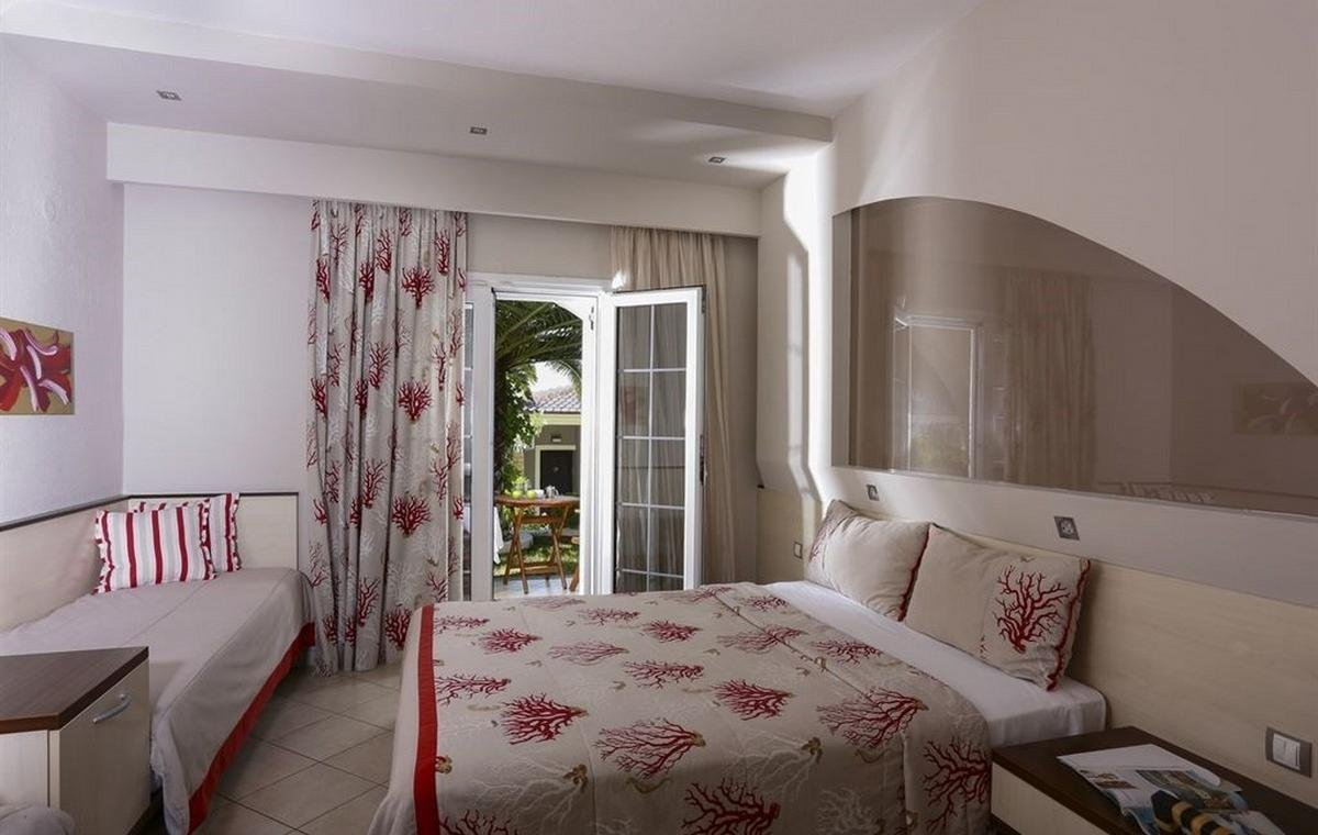 Letovanje_Grcka_Hoteli_Tasos_Alexandra_beach_spa_hotel_Barcino_Tours-2-2.jpeg