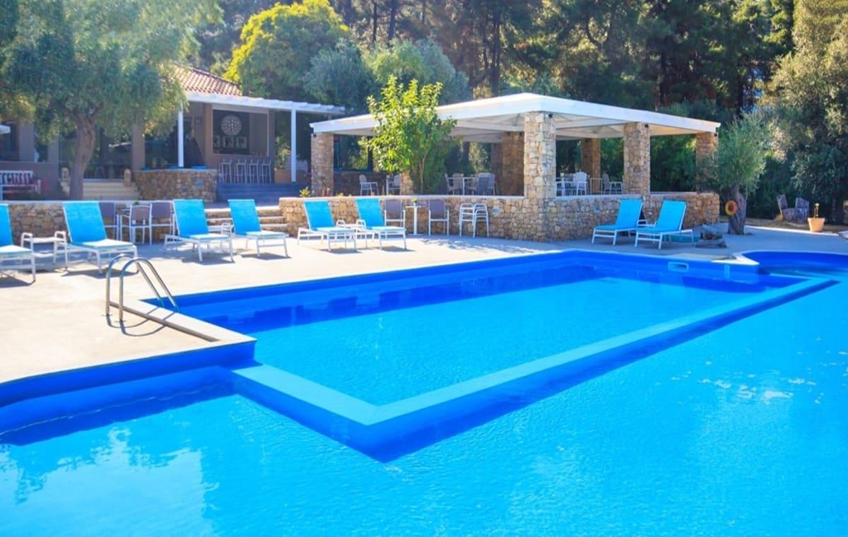Letovanje_Grcka_Hoteli_Tasos_Aroma_Nisteri_Beach_hotel_Barcino_Tours-2.jpg