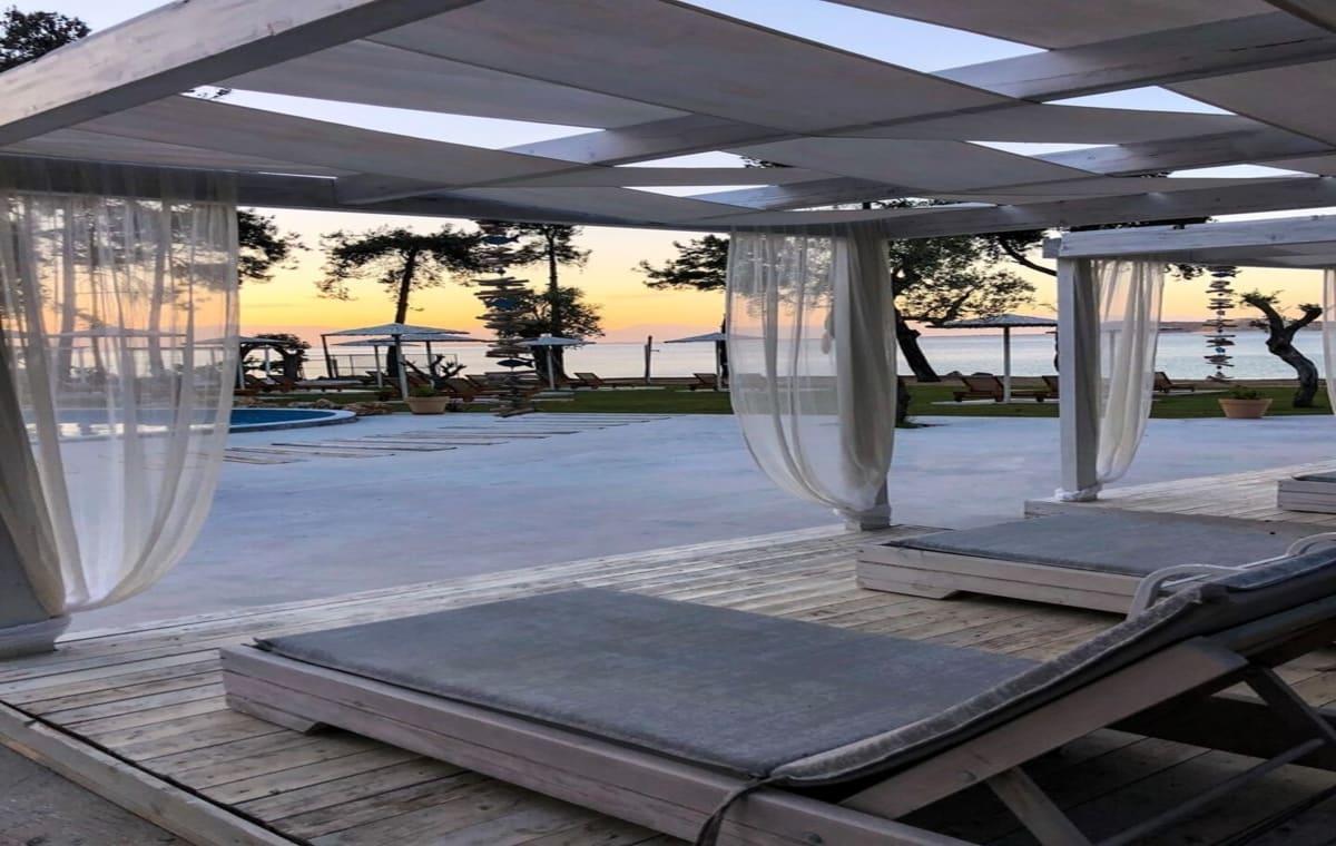 Letovanje_Grcka_Hoteli_Tasos_Aroma_Nisteri_Beach_hotel_Barcino_Tours-3.jpg