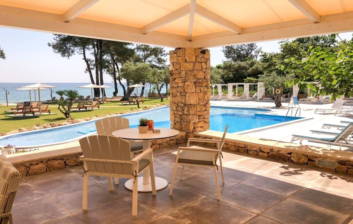Letovanje_Grcka_Hoteli_Tasos_Aroma_Nisteri_Beach_hotel_Barcino_Tours-4.jpg