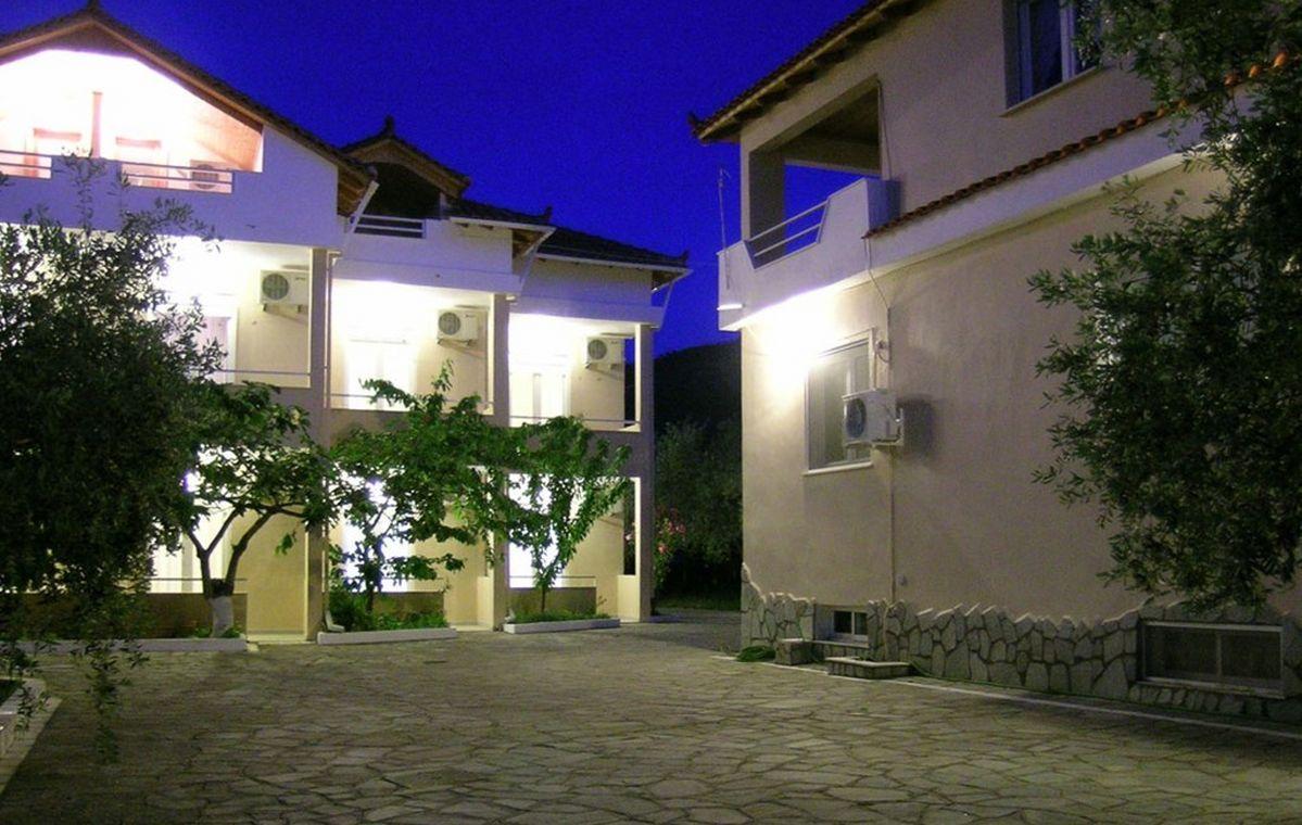 Letovanje_Grcka_Hoteli_Tasos_Filippos_hotel_Barcino_Tours-3.jpeg