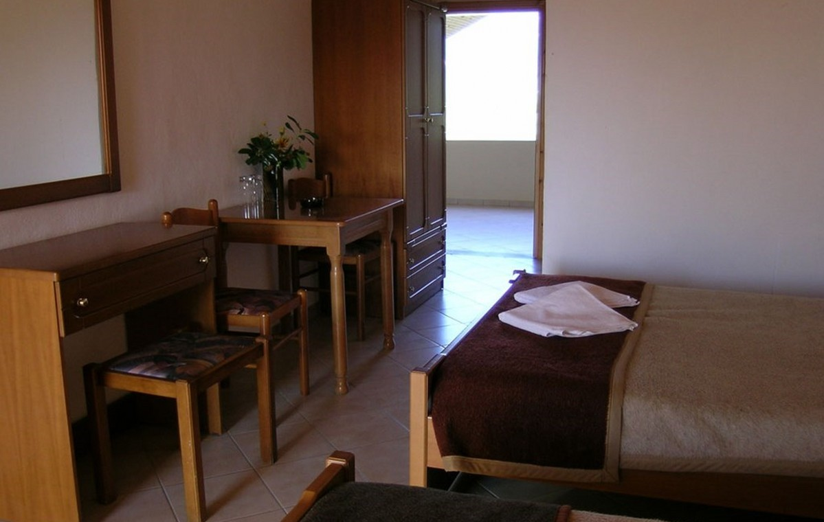 Letovanje_Grcka_Hoteli_Tasos_Filippos_hotel_Barcino_Tours-5.jpeg
