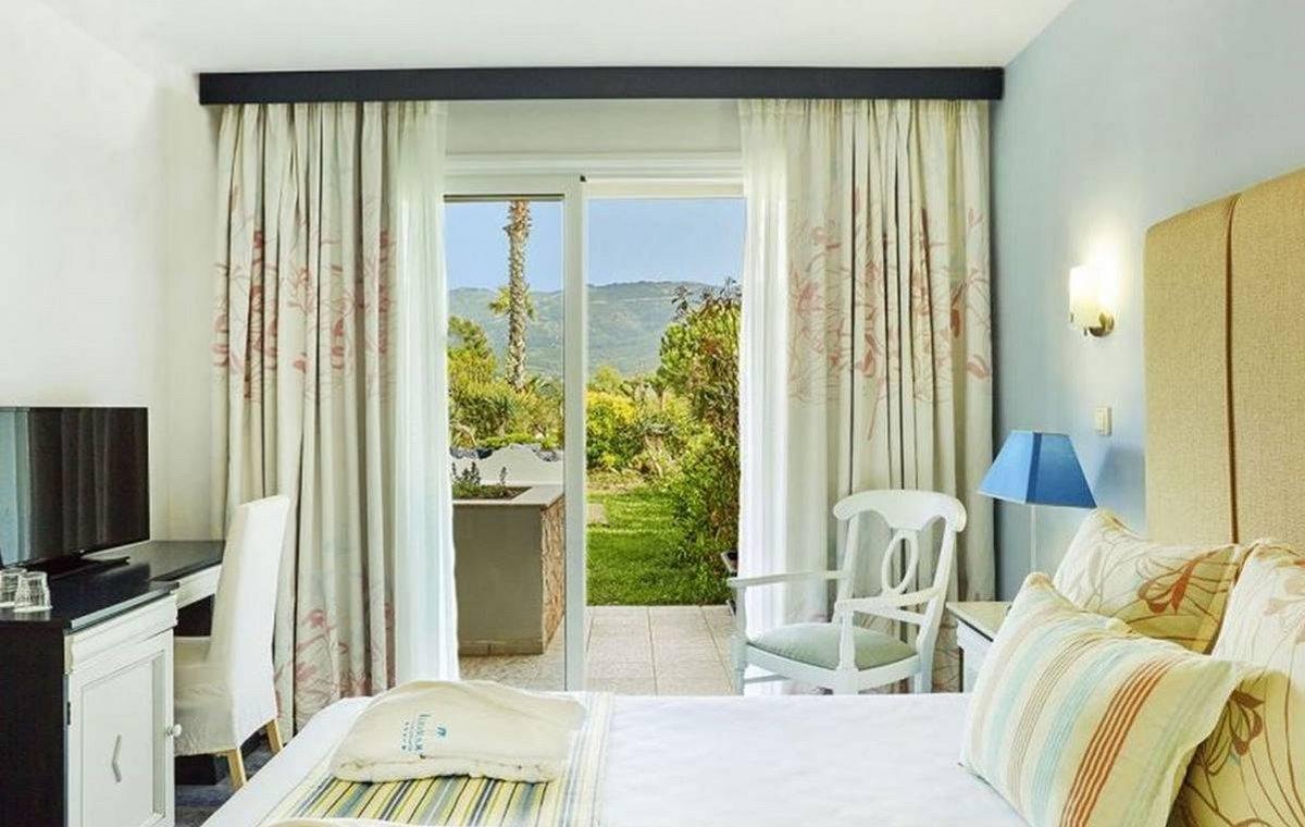 Letovanje_Grcka_Hoteli_Tasos_Ilio_mare_hotel_Barcino_Tours-2-1.jpeg