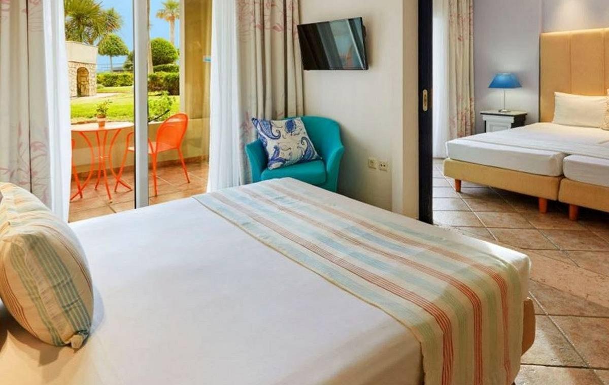 Letovanje_Grcka_Hoteli_Tasos_Ilio_mare_hotel_Barcino_Tours-4-1.jpeg