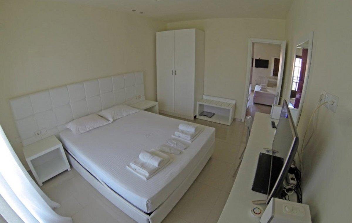 Letovanje_Grcka_Hoteli_Tasos_Macedon_hotel_Barcino_Tours-1-1.jpg